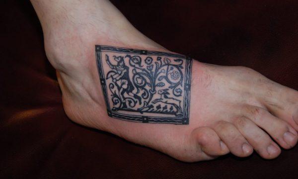 The Artistocrat Hamburg | Fuss Tattoo by Zsolt Machat