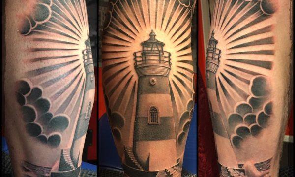 The Artistocrat Hamburg | Lighthouse Artwork Tattoo by Ronny Kurth
