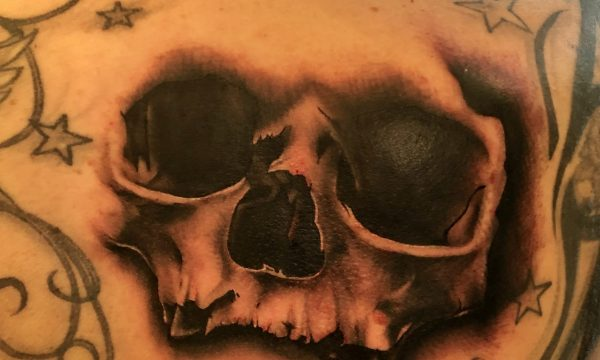 The Artistocrat Hamburg | Skull Tattoo by Oliver Moule