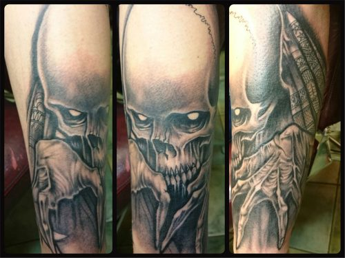 The Artistocrat Hamburg   Skull Tattoo by Zsolt Machat